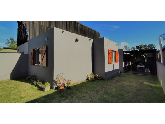 Casa Cerca Del Mar Acepta Banco - Ref. 4056