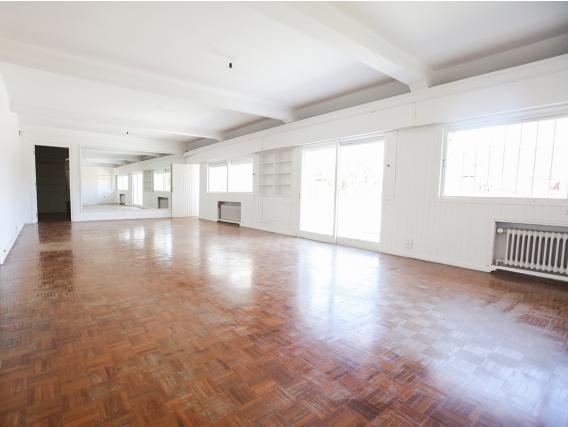 Casa En Alquiler En Carrasco Ref. 5835