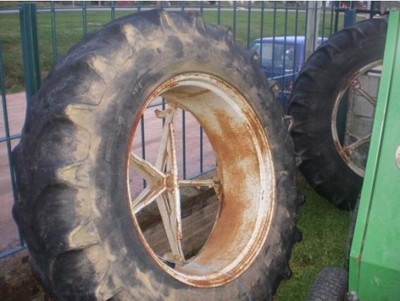 Neumático Molcon 18.4R34