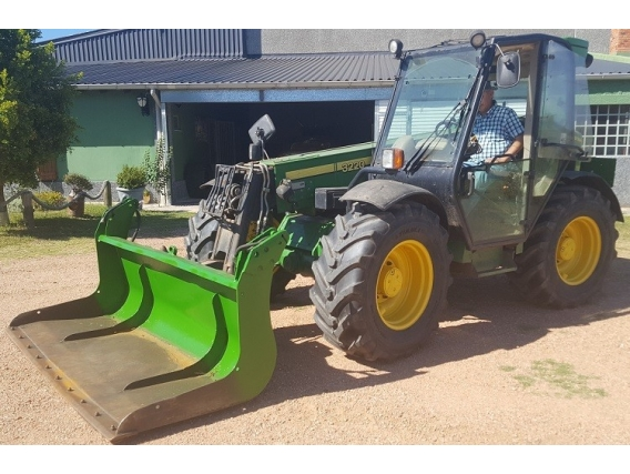 Tractor John Deere 3220